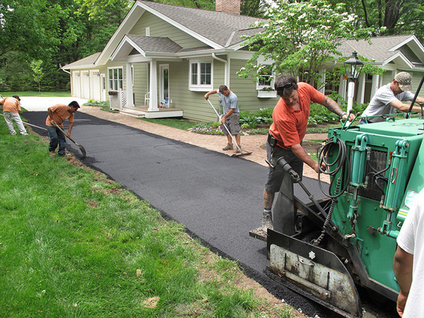 Best Time to Install Asphalt Driveway