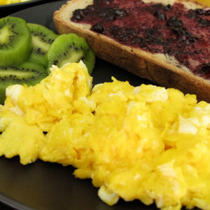 How to Reheat Scrambled Eggs Properly