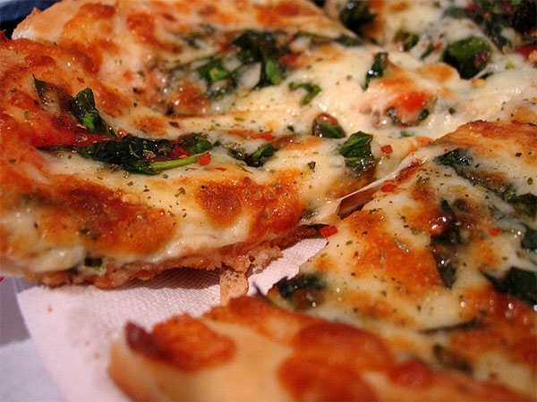 Best Way to Add Spinach to a Pizza