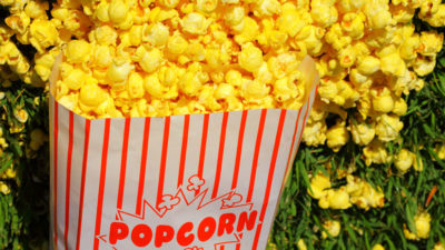 How to Reheat Popcorn: We Look At The Best Options to Use