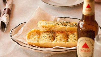 Best Way to Reheat Garlic Bread