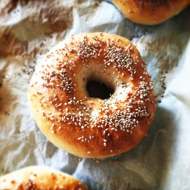 best-way-to-reheat-bagels