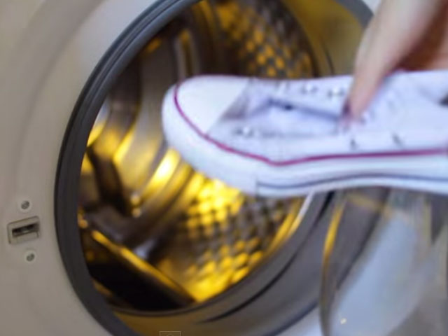 how-to-clean-white-converse-shoes-8