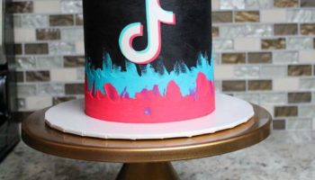 13 Cutest Tik Tok Cake Ideas