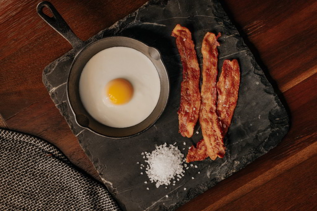 Best Way to Reheat Bacon - 4 Best Methods to Use